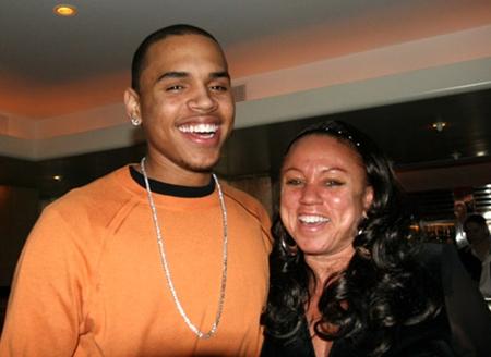 Chris Brown Family Pictures  Daughter, Siblings, Parents