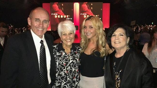Amanda Bynes Family, Mother, Sister, Brother Photos