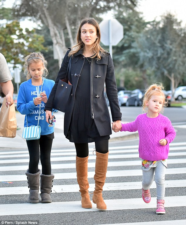 Jessica Alba Family Photos, Husband, Children, Mother, Age