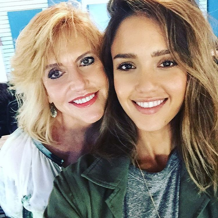 Jessica Alba Family Photos, Husband, Mother, Age