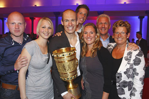 arjen-robben-family-photos-wife-son