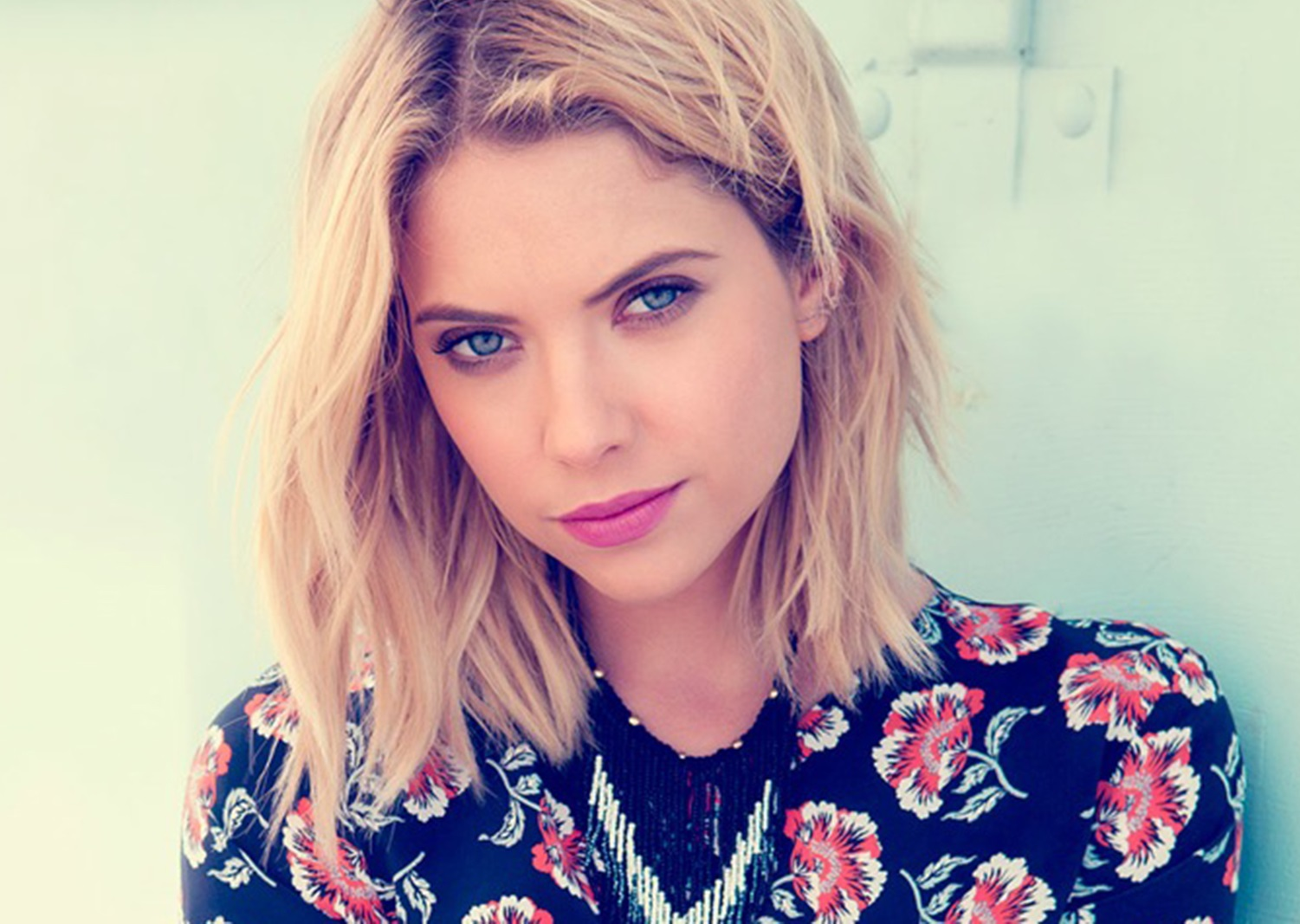 Ashley Benson Family Photos, Age, Parents, Boyfriend