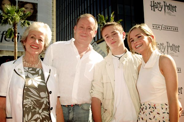 Emma Watson Family Photos, Siblings Boyfriend, Age