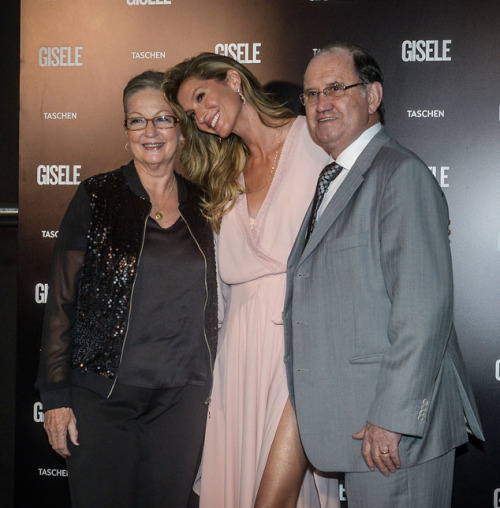 Gisele Bundchen Family Pictures, Kids, Age, Height Weight