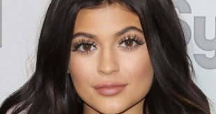 Kylie Jenner Family Picture Father, Siblings, Boyfriend, Age, Height