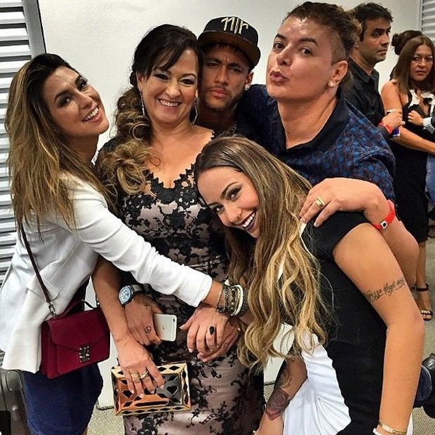 Neymar Family Pictures Wife And Son,  Father, Mother
