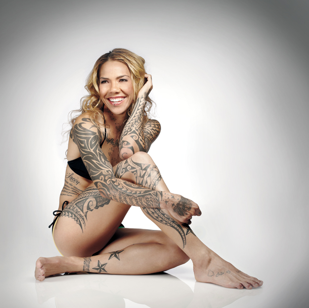 US Female Soccer Player With Tattoos Pictures