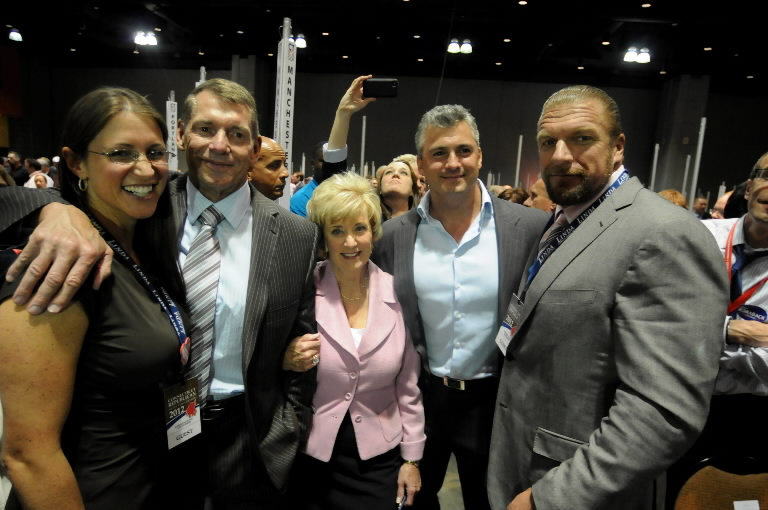 vince-mcmahon-family-photos-wife-age-daughter-name