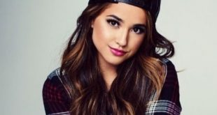Becky G Family Pictures, Boyfriend, Siblings, Age, Real Name