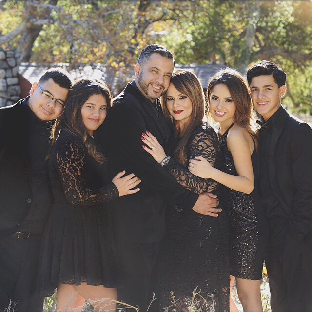 Becky G Family Pictures, Boyfriend, Siblings, Age,