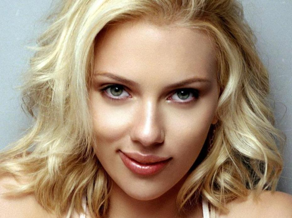 Scarlett Johansson Family Photos, Husband, spouse, Age, Height