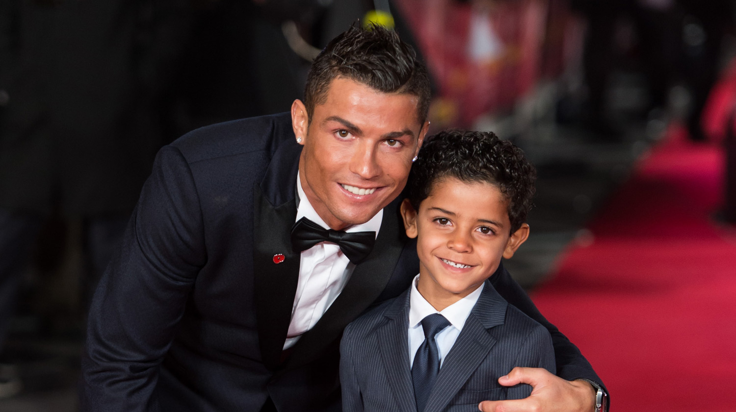 Cristiano Ronaldo Family Photos, Wife,  Son, Age, Height