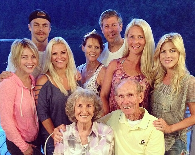 Julianne Hough Family Photos, Parents, Brother,  Age