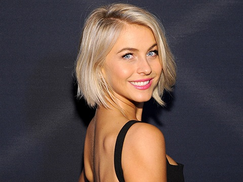 Julianne Hough Family Photos, Parents, Brother, Boyfriends, Age