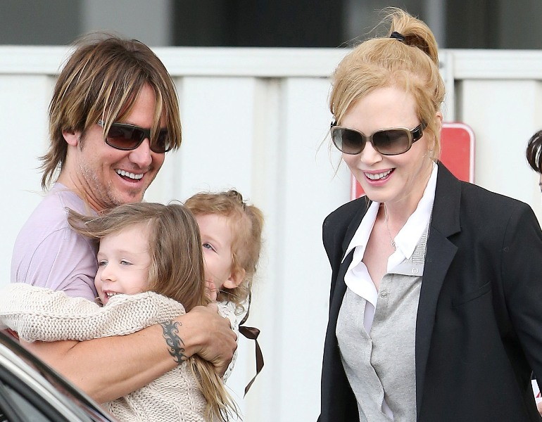 Keith Urban Family Photos,  Daughters, Age, Net Worth