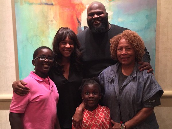 Mark Henry Family Pictures, Wife, Daughter, Parents, Age