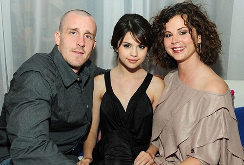 Selena Gomez Real Family Pictures, Siblings, Age, Boyfriend