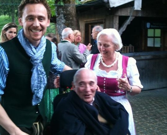 Tom Hiddleston Family Photos, Parents,  Age, Height
