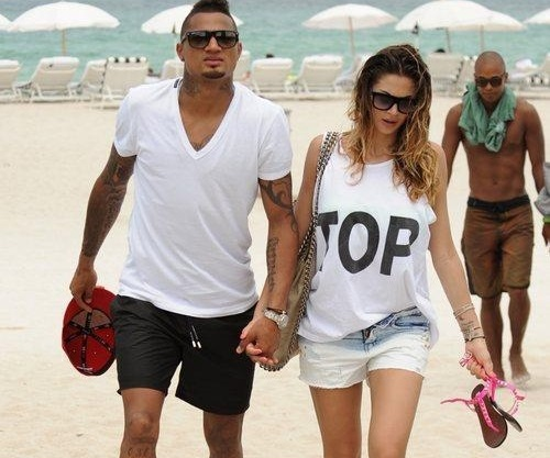 Beautiful And Hottest Football Players Wags / Girlfriends