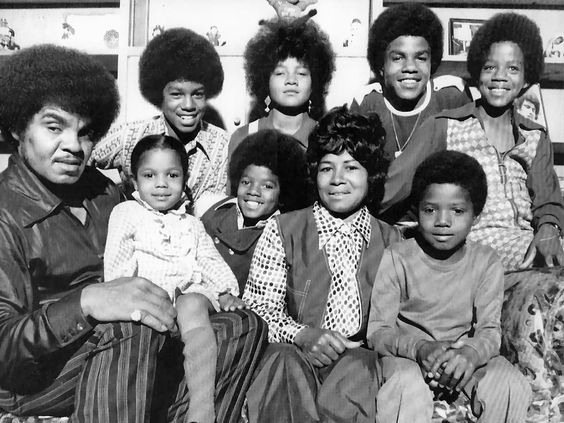 Janet Jackson Family Pictures, Husband, Siblings, Height