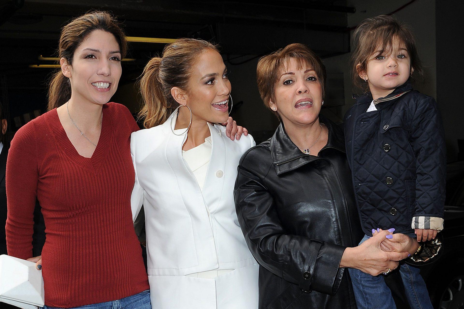 Jennifer Lopez Family Photos, Husband, Kids, Age, Height