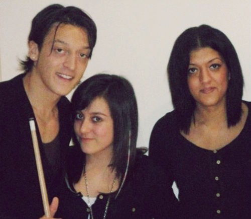 Mesut Ozil Family Pictures, Wife, Daughter, Height