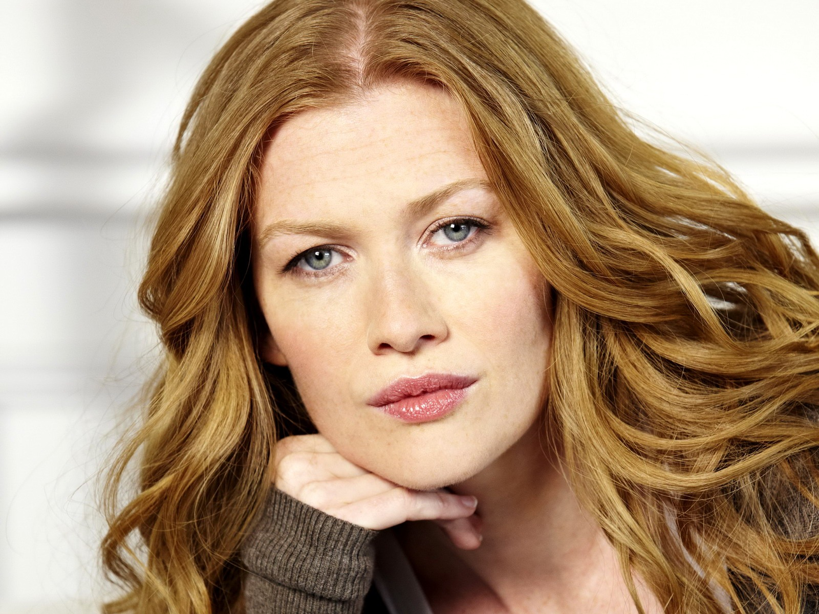 Mireille Enos Family Photos, Husband, Age, Height