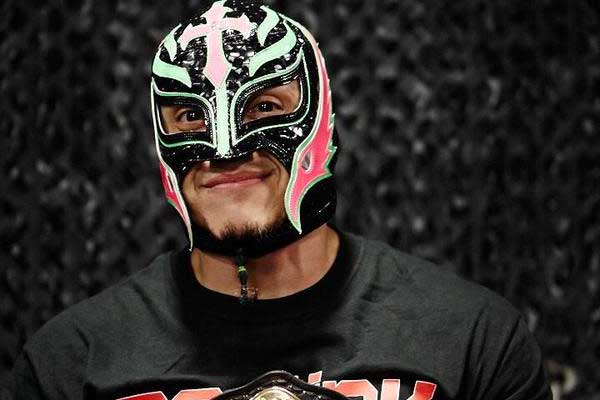 Rey Mysterio Family Pictures, Wife, Son, Daughter, Age, Siblings