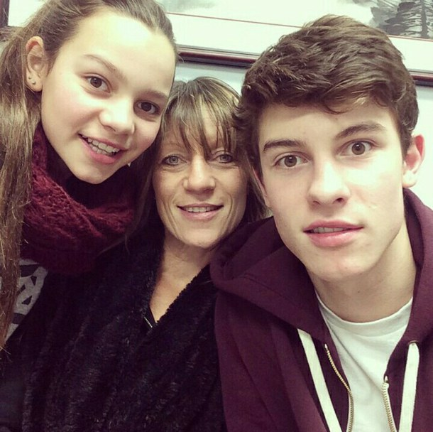 Shawn Mendes Family Pictures, Girlfriend, Age, Height