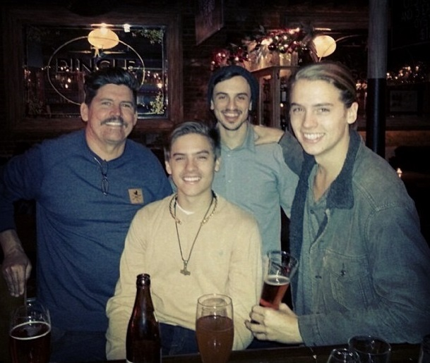 Dylan And Cole Sprouse Dad Dylan Sprouse F...