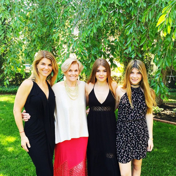 Lori Loughlin Family Photos, Husband, Kids, Height