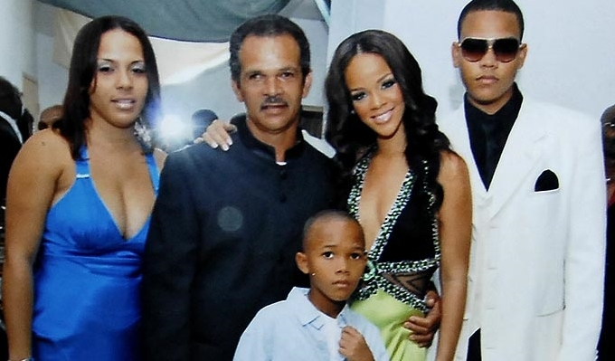 Rihanna Family Photos, Siblings, Parents, Height, Husband