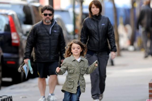 Tina Fey Family Photos, Husband, Daughter, Height