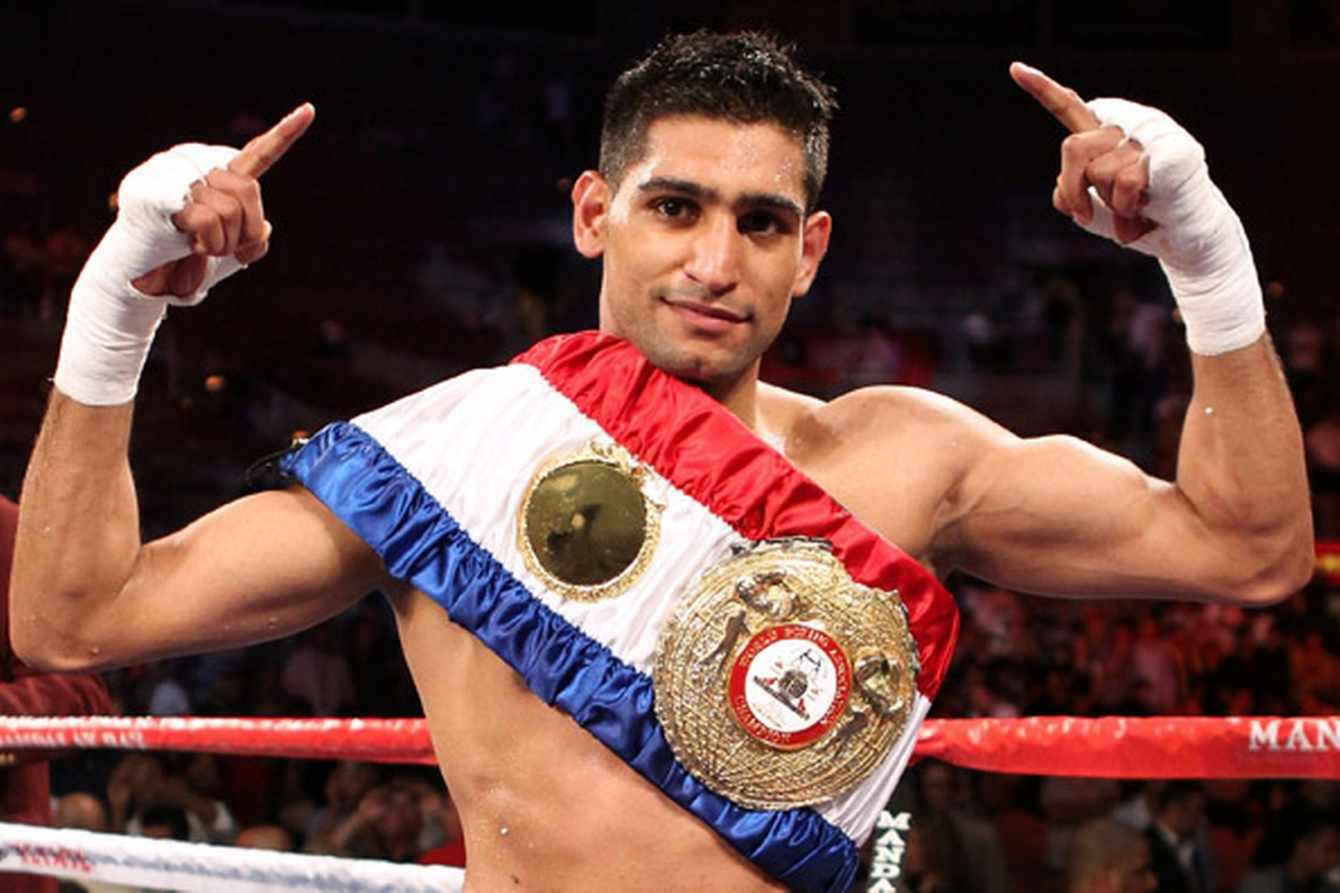 Amir Khan Boxer Wife And Family Photos, Age, Height