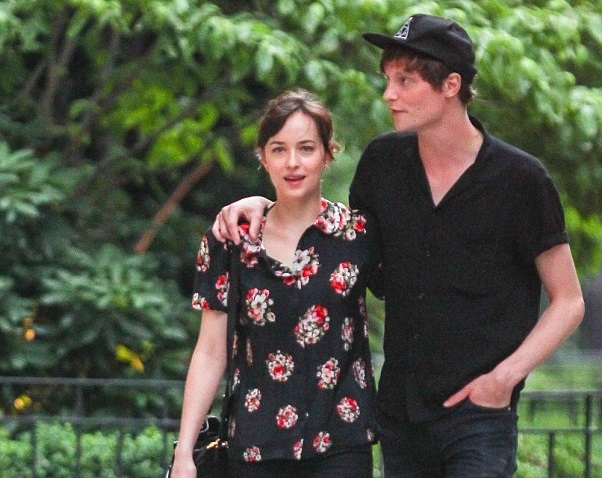 Dakota Johnson Family Photos, Boyfriend, Parents, Age,
