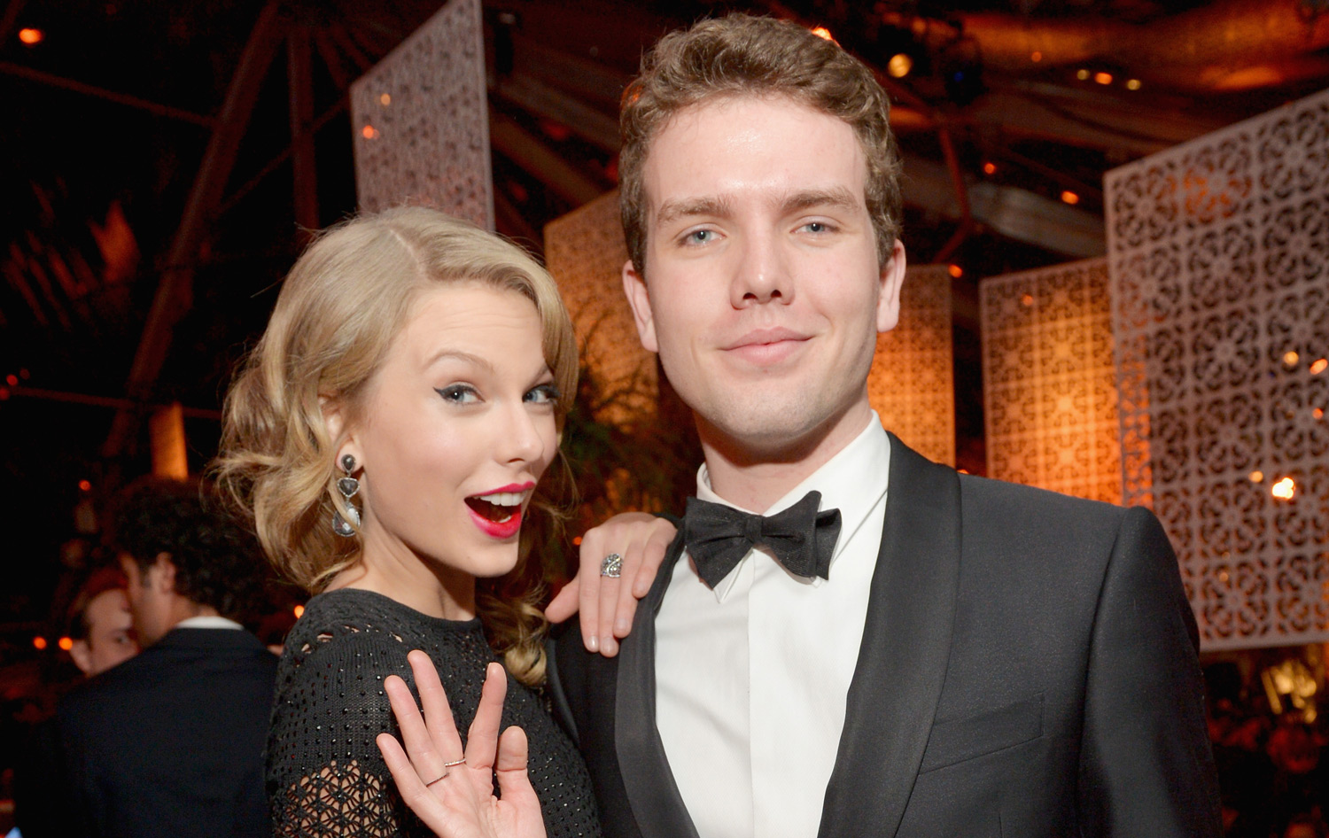 Taylor Swift Family Photos, Siblings, Parents, Husband, Age