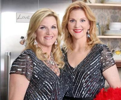 Trisha Yearwood Husband, Family Photos, Sister, Height, Weight