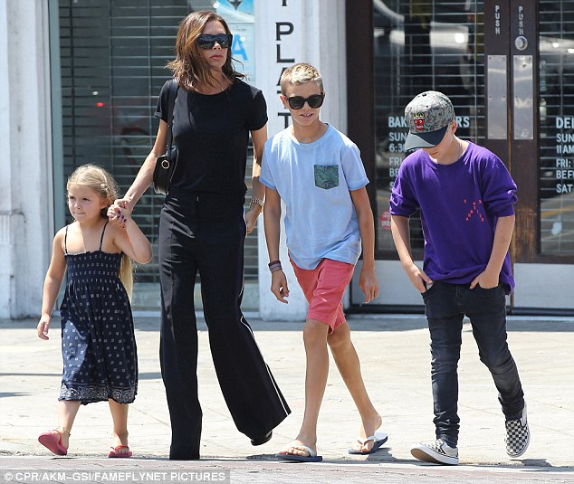 Victoria Beckham Family Pictures, Kids, Age