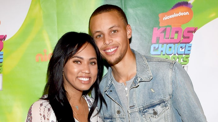 Ayesha Curry Family Pictures, Husband, Age, Height