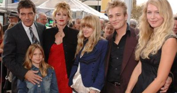 Dakota Johnson Family Pictures, Husband, Tattoos, Age