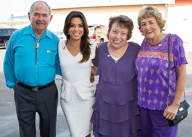 Eva Longoria Family Pictures, Husband, Sisters, Height