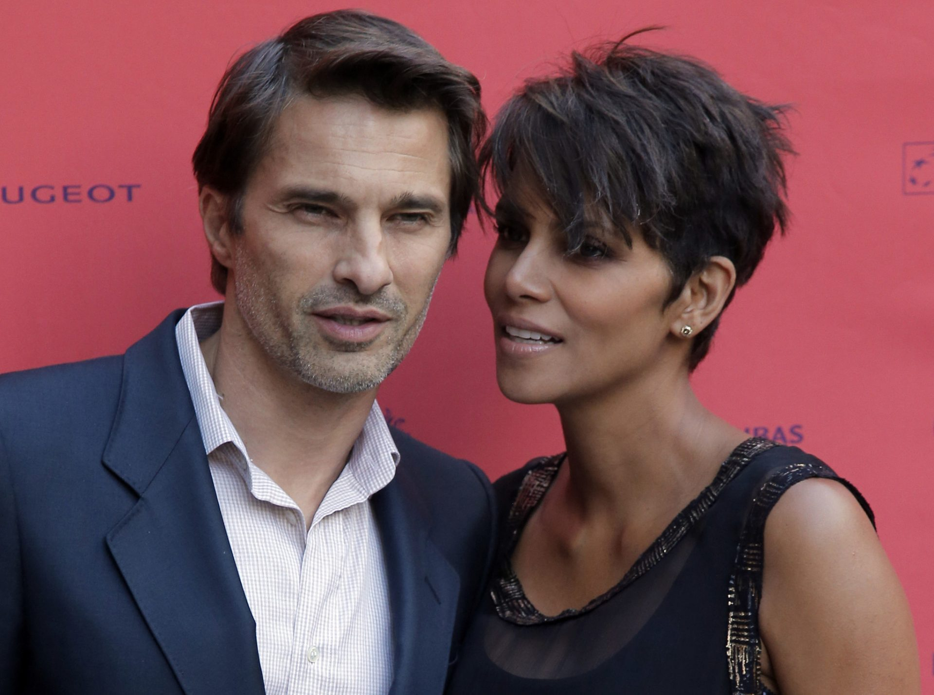 Halle Berry Family Photos, Husband, Net Worth, Kids, Height, Daughter