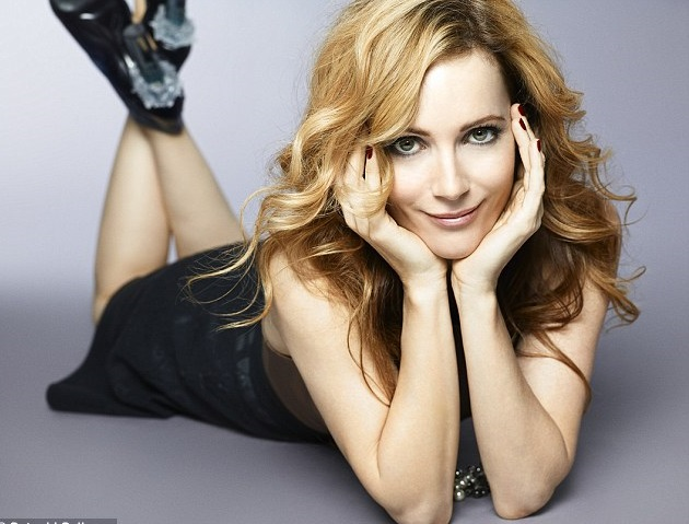 Leslie Mann Family Photos, Husband, Daughter, Age, Height