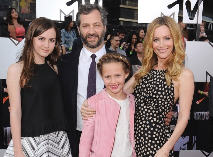 Leslie Mann Family Photos, Husband, Daughter, Height