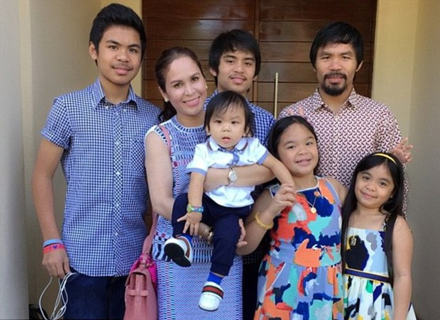 Manny Pacquiao Family Pictures, Father, Wife, Brother, Sisters, Son,