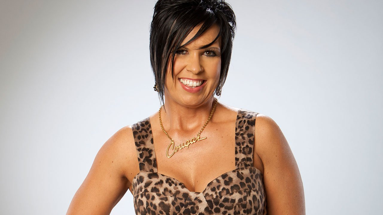 Vickie Guerrero Family Photos, Husband, Age, Height, Daughters