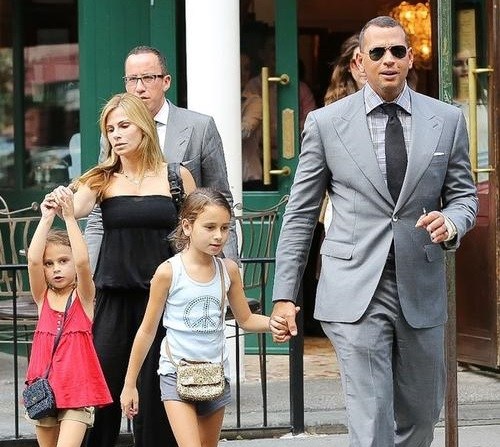 Alex Rodriguez Family Photos, Wife, Kids, Daughters