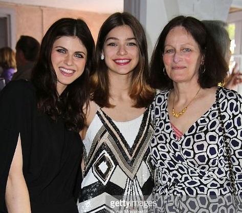 Alexandra Daddario Family Photos, Parents, Husband, Height