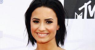 Demi Lovato Family Photos, Parents, Sisters, Age, Boyfriend