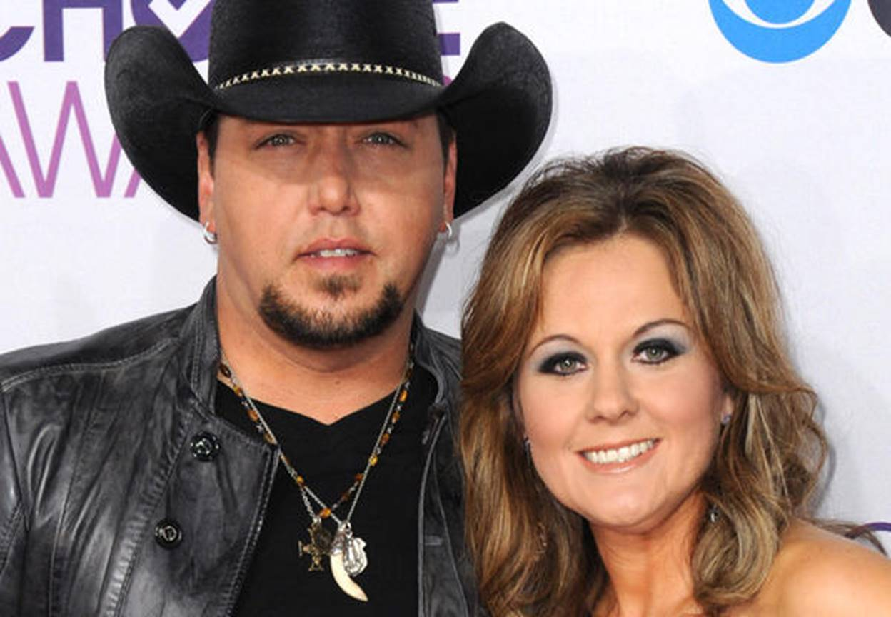 Jason Aldean Family Photos, Wife, Height, Net Worth